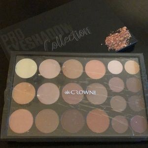 Crown palette! Professional eyeshadow collection!